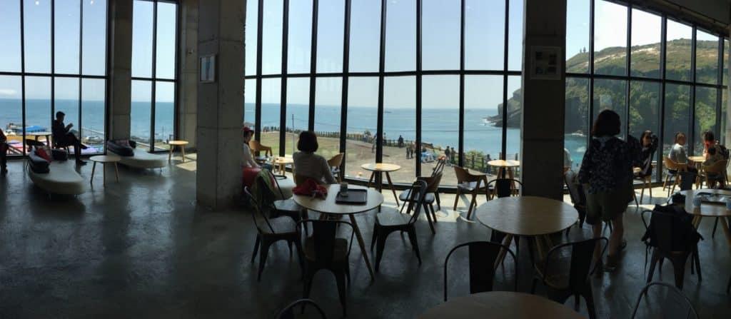 Dennis Cafe Geommeolle Beach Udo