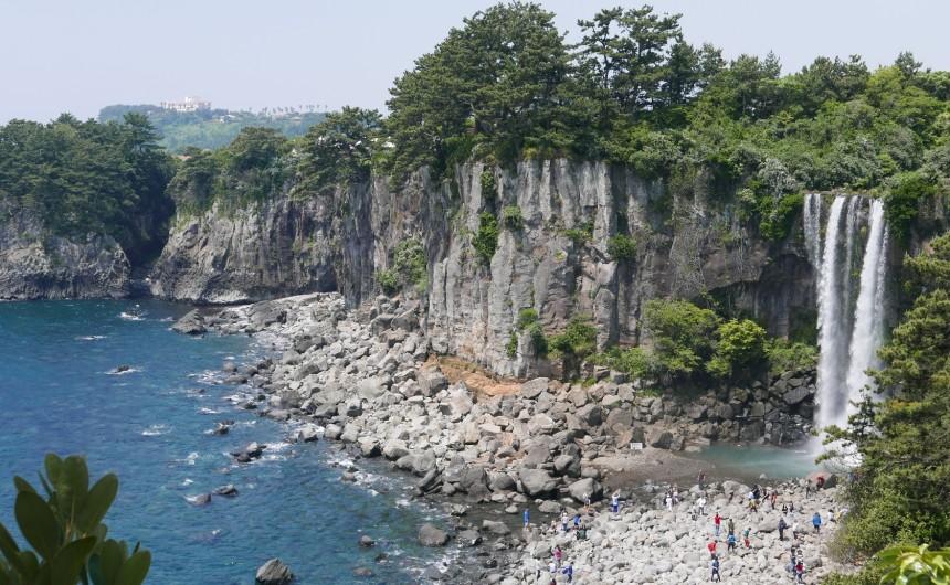 jeongbang-falls