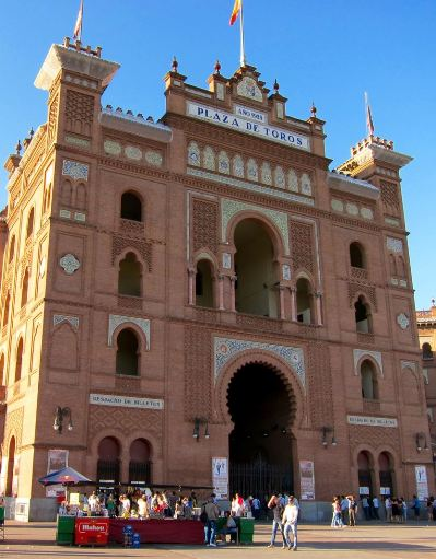 Located in the east of madrid in the salamanca district plaza de