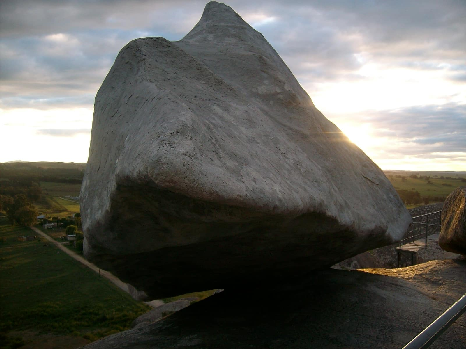 Moving Stone, Tandil, Argentina