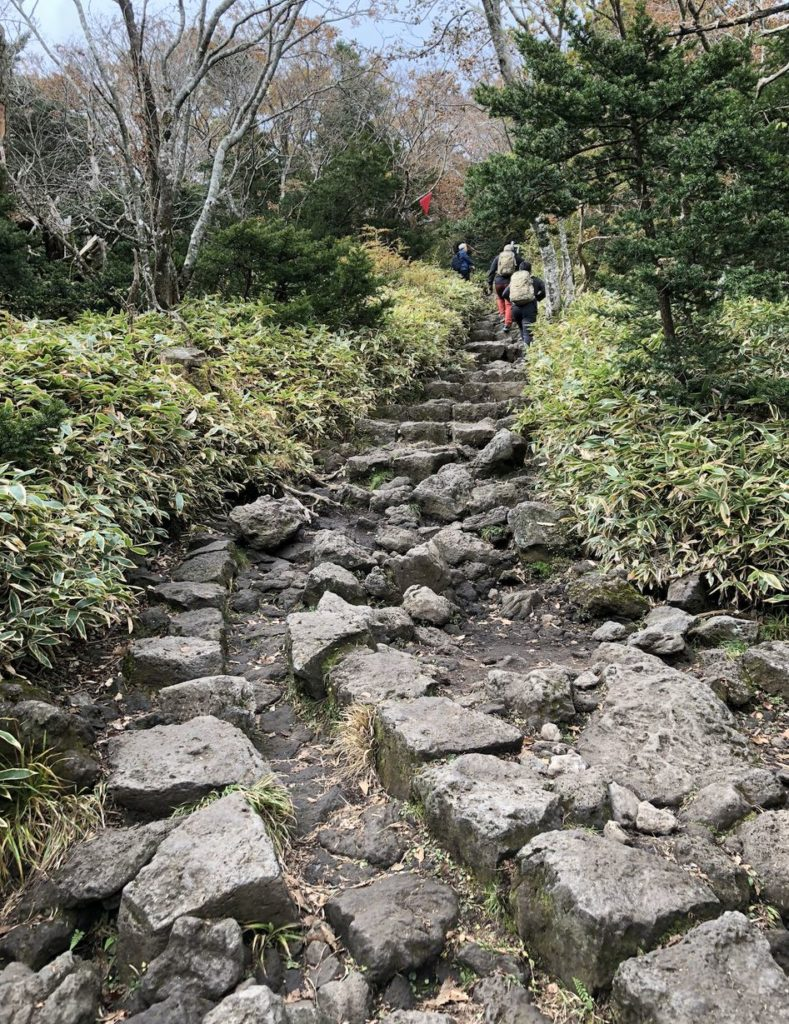 steep-rocks-seongpanak-hallasan